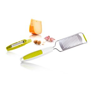 kitchen-and-nutmeg-grater-1
