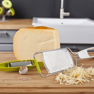 kitchen-and-nutmeg-grater-2